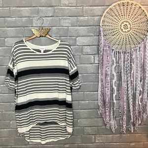 lularoe // cream & black striped irma tunic xxs